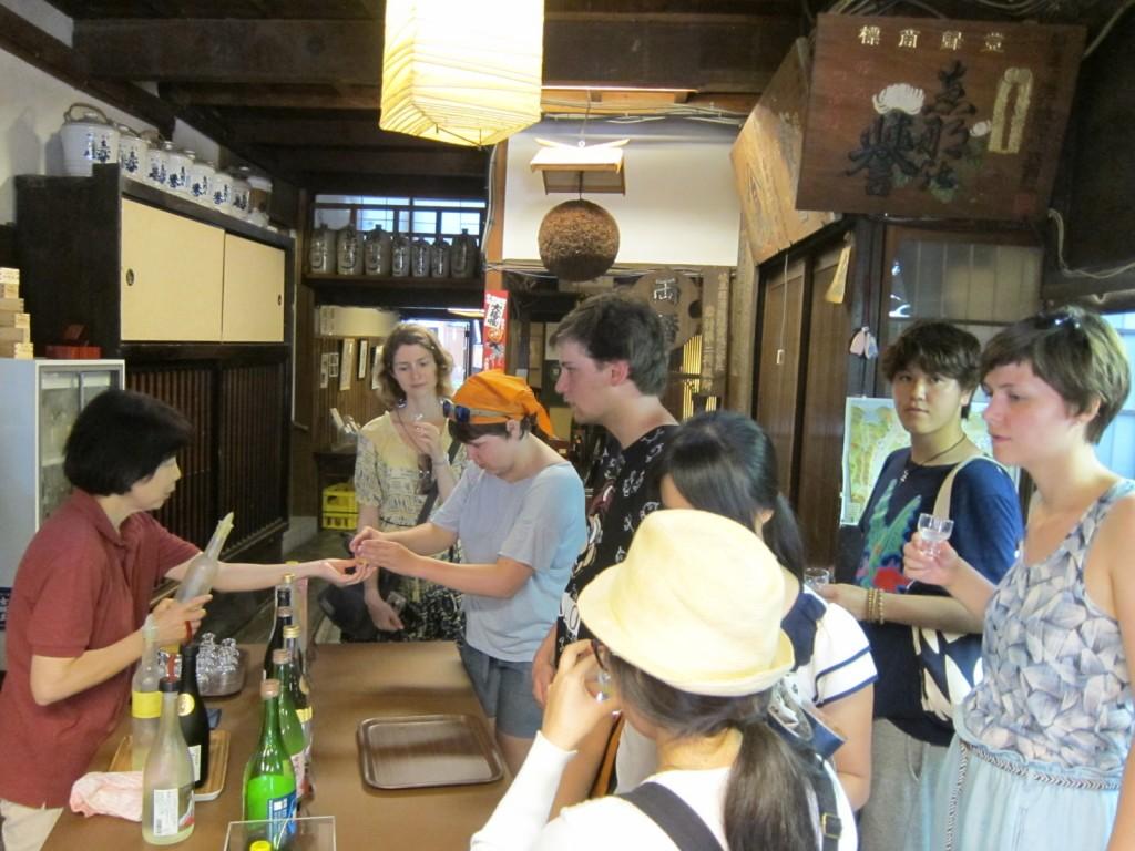 岩村酒蔵 外国人
